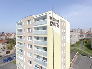 Revitalizace bytového domu Na Cikorce, Praha